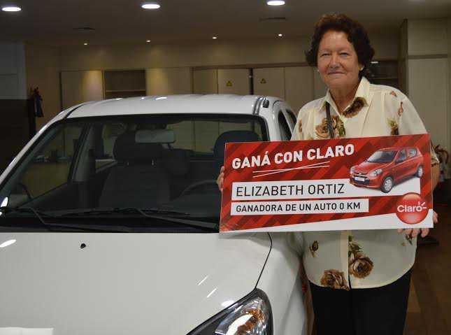 Claro premió a ganadores de sus trivias con la entrega de dos Suzuki Alto 0 km