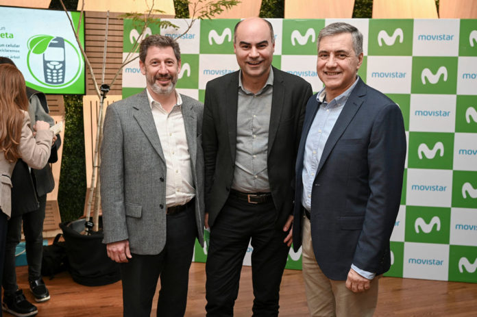 Marcelo Tarakdjian (Presidente Movistar), Fernando Leis (Director de Marketing Movistar) y Jose Pedro Derregibus (Director de Relaciones Institucionales Movistar)
